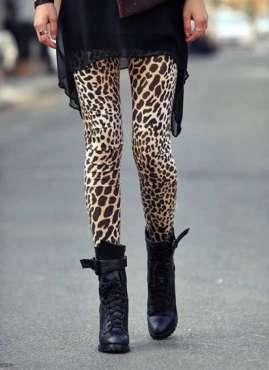 leggins-con-botas-negras