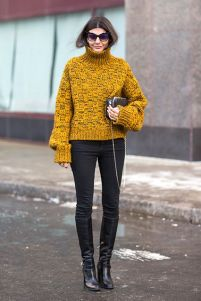 yellow-turtleneck-sweater-chunky-sweater-black-skinnies-knee-boots-fall-winter-weekend-outfit-editor-style-refinery
